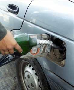 http://webjaen.files.wordpress.com/2008/10/gasolinera.jpg